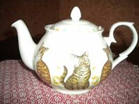 Fine Bone China Teapot, decorated with Cats, suitable for Microwaves and Dishwashers