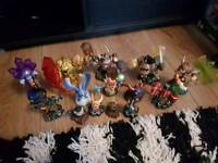 Skylanders figures and storage bag