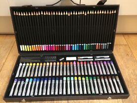 Artists oil pastel and coloured pencil set