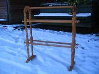 Rubber wood floor standing bathroom towel rail, natural wooden free standing bathroom rack. Vintage.