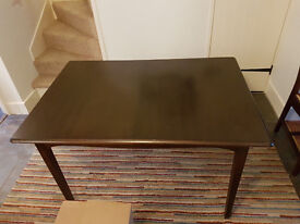DINING EXTENDED TABLE WITH 4 CHAIRS + FREE DELIVERY