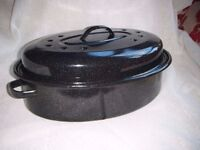 Large Oval Enamel Roasting Tin & Lid - Excellent condition.