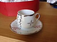 Vintage Tea Set White and Gold Design Great Condition