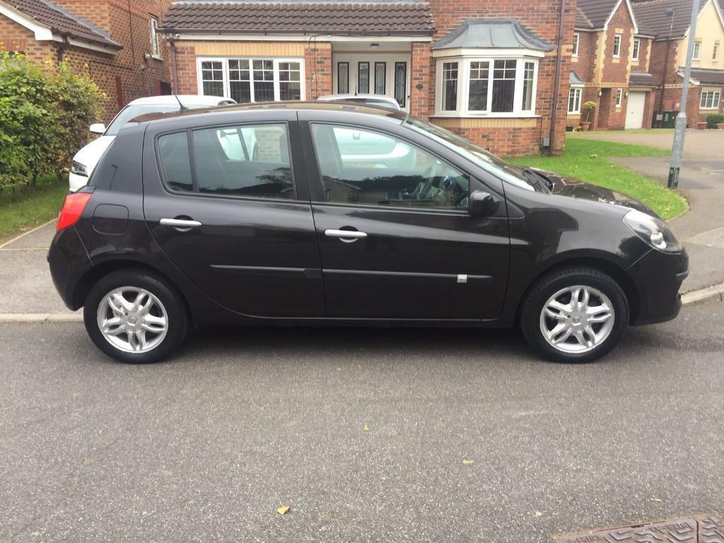 Renault Clio 1.2 dynamique black 5 Door