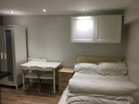 self-contained studio flat to let @E10 7DY all bills inclusive lea bridge zone 3 available 1 October