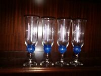 DRINKING GLASSES/FLUTES