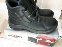 Almar Safety Boots - size 10 (44)