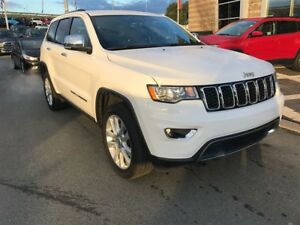 2017 Jeep Grand Cherokee LIMITED 4X4/ LUXURY FOR UNDER $45,000!