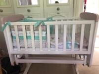 Minnie Mouse Crib and Crib Set