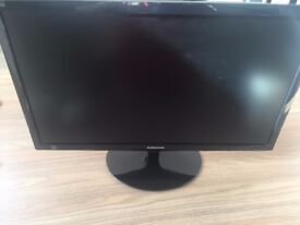 Nearly New - Samsung Monitor - 24 inch LED - S24D300