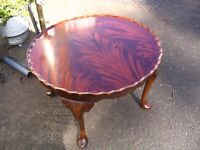 vintage pie crust coffee table, mahogany-rosewood round coffee table with curved legs 1930s