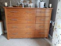Storage unit/ chest of draws
