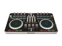 DJ CONTROLLER - Numark Mixtrack Quad