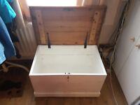Oak Toy Chest/Ottoman/Coffee Table/Storage - White Base & Black Fixtures - Tidy!