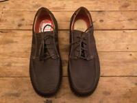 Brand new Clarke's Mens size 9 Brown Flexlight shoes