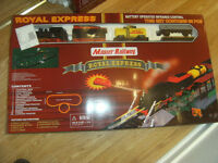 NEW BATTERY OPERATED TRAIN SET WITH INFRA RED CONTROLLER