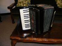 small accordion 32 bass