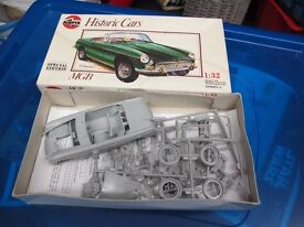AIRFIX MGB SPECIAL EDITION KIT OPENED BUT GOOD CONDITION - £10