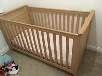 Baby style cot bed