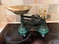 Dark Green Kitchen Balance Scales ''Librasco'' with weights