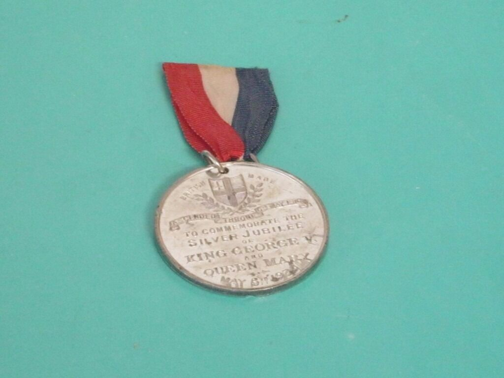 Medallion medal for the Silver Jubilee of King George V and Queen Mary