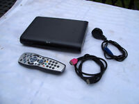 Sky Box DRX595-C With the Remote....FREE DELIVERY ***WILLING TO POST***