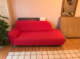 RED CHAISE LONGUE