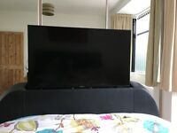 King size TVs bed