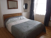Spacious flat to let in Trinity / Leith