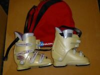 Ladies Ski Boots Size 5 Used one season only