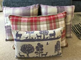 Set of 4 checked cushions