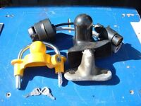 Trailer hitch lock with ball joint and electrics