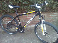 "Merida Matts Pro mens mountain bike. 18"". 27 gears. With fork Lockout. Lovely condition."