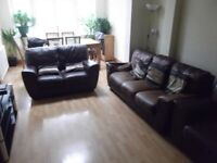 Single Room With Double Bed Fully Furnished All Bills Included 2 Weeks Deposit Only !!