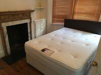 In House 1 En-Suite 2 Double Rooms Share SittingRoom Kitchen Patio IncludesBillsNet NearTubeBusShops