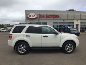 2011 Ford Escape XLT Automatic 2.5L *HEATED SEATS, 4X4*