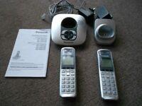 PANASONIC TWIN DIGITAL CORDLESS HOUSE PHONES WITH ANSWER MACHINE MODEL KX-TG6421E