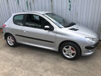 Semi AUTOMATIC Peugeot 206 1.4 SE tidy low mileage car