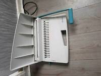 Comb ring binding machine