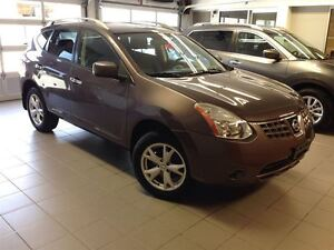 2010 Nissan Rogue SL/1 OWNER LOCAL TRADE/LOW LOW KMS!!