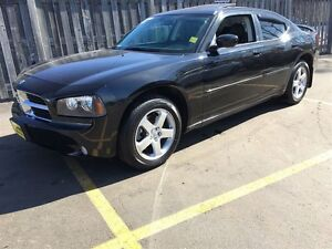 2010 Dodge Charger SXT, Automatic, Leather, Sunroof, AWD