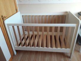 mamas and papas cot/ toddler bed