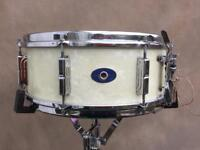Leedy snare drum and case £320 delivered