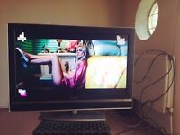 """Excellent Condition 32"""" SONY BRAVIA Television, HD ready, HDMI, SRS and more"""