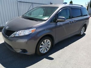 2014 Toyota Sienna LE 7 Passagers AWD ** SEULEMENT 22 206KM*
