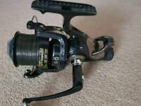 Rogue big pit freespin 80 fishing reel. BRAND NEW.