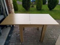Next Logan 4-6 seater square to rectangle dining table