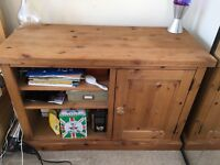Lovely pine tv unit in great condition