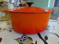 Le Creuset 28cm wide, deep casserole pot