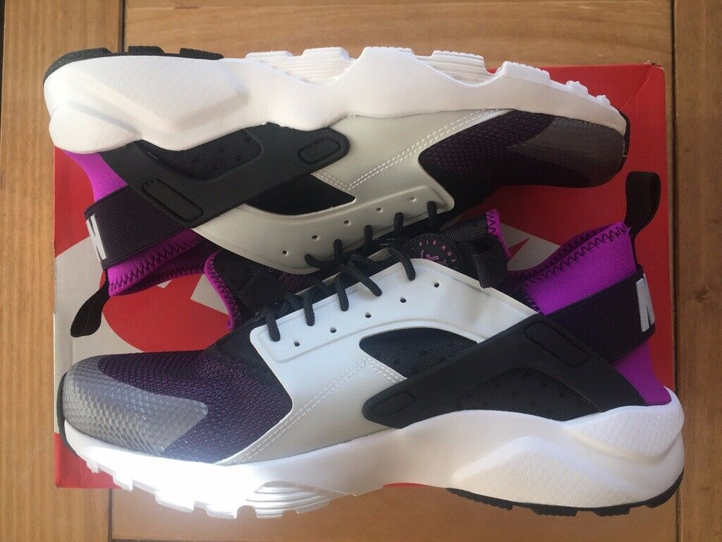 6aa5a2035af0 Nike Huarache Run Ultra Size 7 Uk New With Box